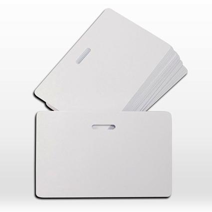 บัตรแข็งสีขาวเปล่า บัตรเจาะรูวงรี ใส่สายคล้องคอแบบบัตรพนักงาน บัตรพรีปริ๊นท์ บัตรพลาสติกเปล่าสีขาว พิมพ์บัตรได้ ระบบผ้าริบบอนมาตฐานทั่วไป