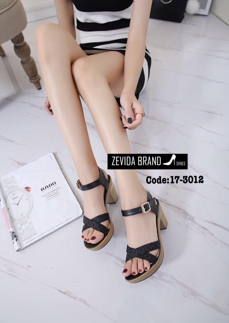 รองเท้าส้นสูงรัดส้นสีดำ สายคาดไขว้ สไตล์แบรนด์ดัง issey bao bao (สีดำ )