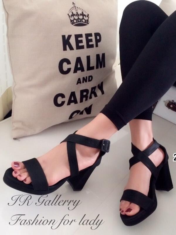 รองเท้าส้นสูง รัดข้อ สายคาดไขว้ สไตล์สาวมั่น (สีดำ )