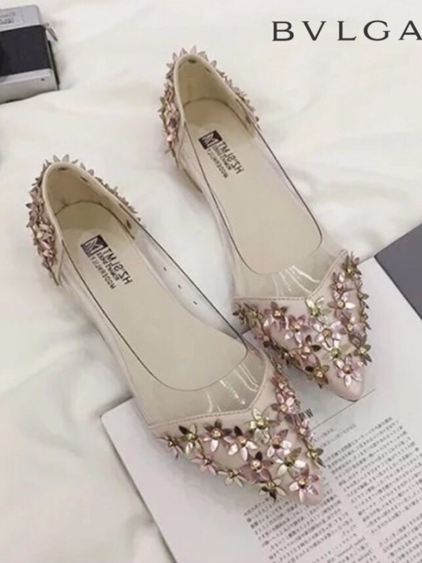 รองเท้าคัทชูส้นเตี้ย หัวแหลม แต่งดอกไม้ (สีชมพู )