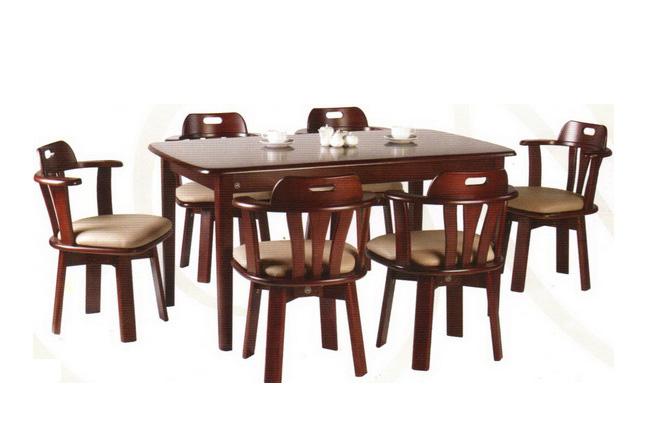 โต๊ะไม้เก้าอี้ไม้