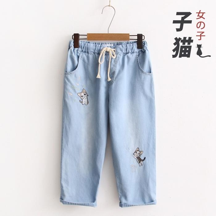 กางเกงยีนส์ขาสามส่วนเอวยืด ปักแต่งลาย (มีให้เลือก 2 สี 2 ไซส์)