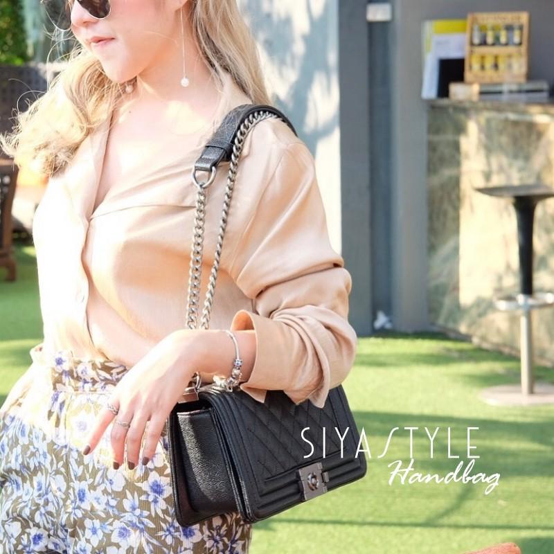 กระเป๋าสะพายแฟชั่น กระเป๋าสะพายข้างผู้หญิง Chanel Boy Caviar 10 Inch [สีดำ]