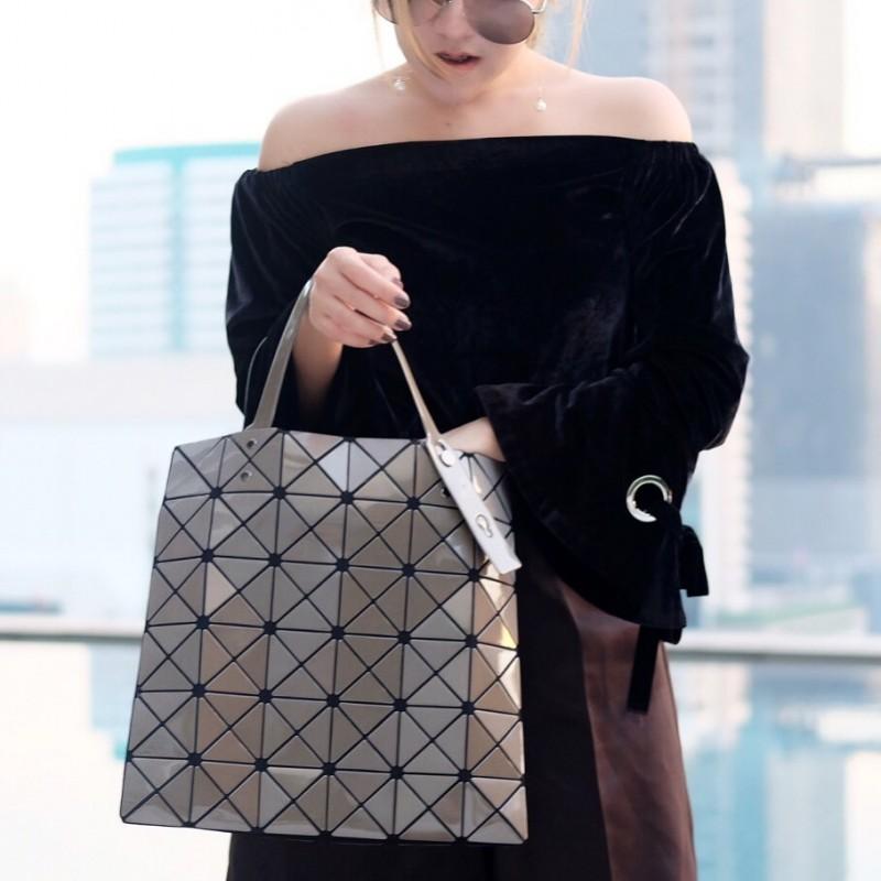 กระเป๋าสะพายแฟชั่น กระเป๋าสะพายข้างผู้หญิง BAO BAO 6x6 (no logo) [สีดำ]