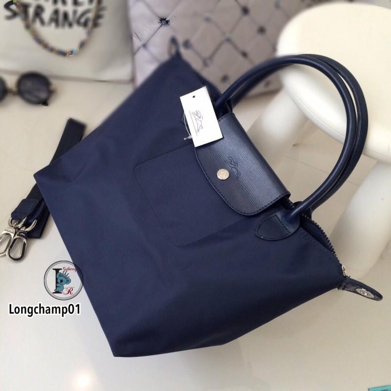 กระเป๋าถือ กระเป๋าสะพายข้างผู้หญิง งานพรีเมี่ยม แบบชนช้อป วัสดุไนล่อน Longchamp [สีกรม ]
