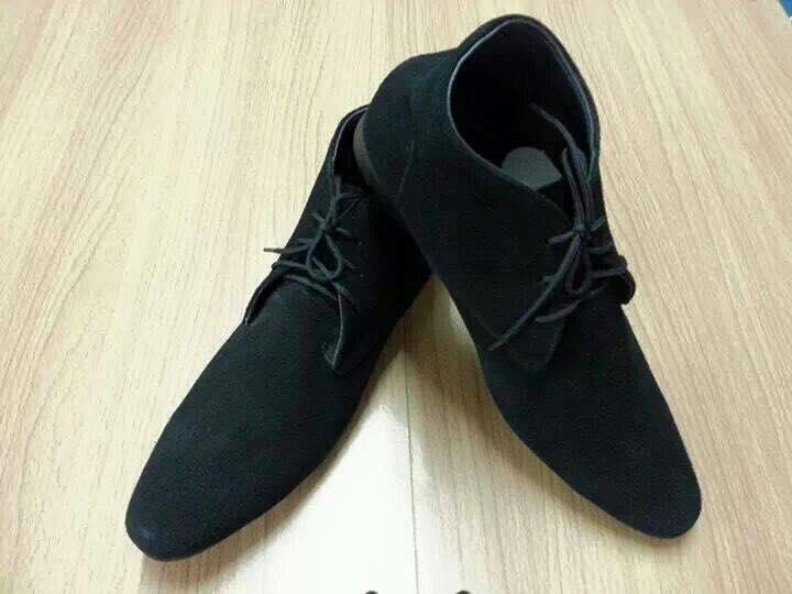รองเท้าหนังแท้ผู้ชาย-หญิง หัวแหลม ทรงหุ้มข้อ ไซส์ 36-47 สั่งเปลี่ยนสีหนังได้ทุกสี