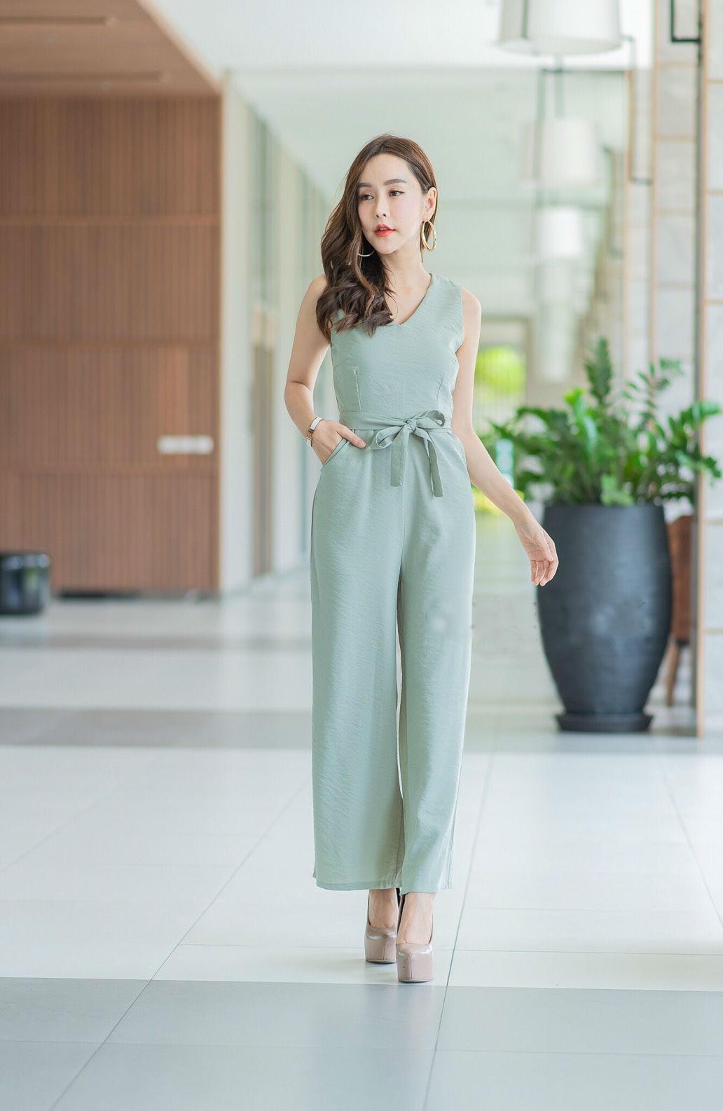 JS0040 เสื้อผ้าแฟชั่น เสื้อผ้าเกาหลี ชุดจั๊มสูท จั๊มสูทขายาว จั๊มสูทกางเกง ชุดออกงาน ชุดทำงาน จั๊มสูทแขนกุด (สีเขียว)