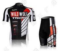ชุดปั่นจักรยานแขนสั้น WILD WOLF TREK สีแดง เป้าเจล (แอดไลน์ @pinpinbike ใส่ @ ข้างหน้าด้วยนะคะ)