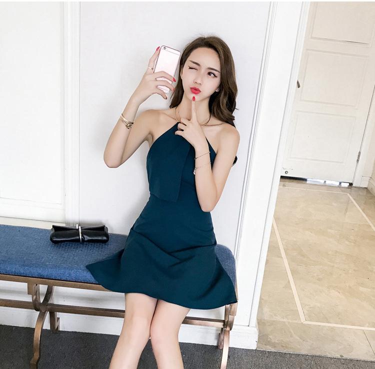 ชุดเดรสแฟชั่นเกาหลีสีเขียวเข้ม แขนกุด
