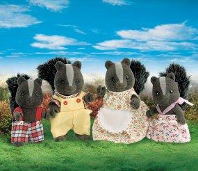 ครอบครัวซิลวาเนียน สกั๊งค์ 4 ตัว (UK) Sylvanian Families Skunk Family