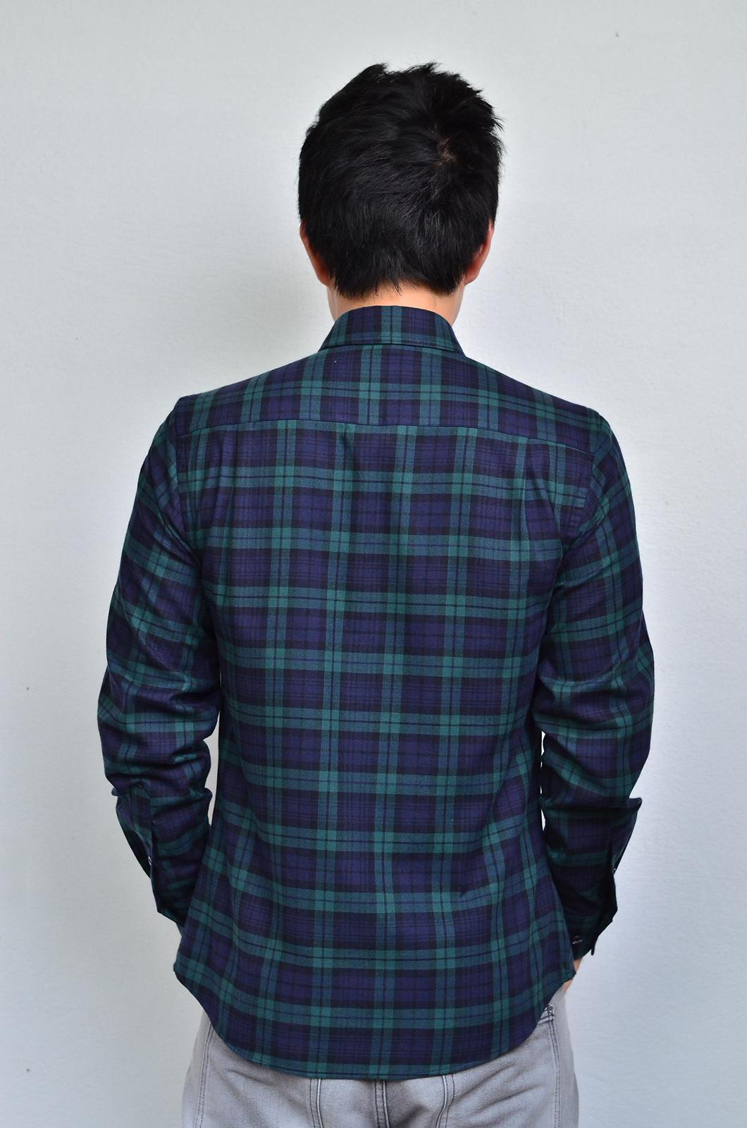เสื้อลายสก๊อตสีเขียว