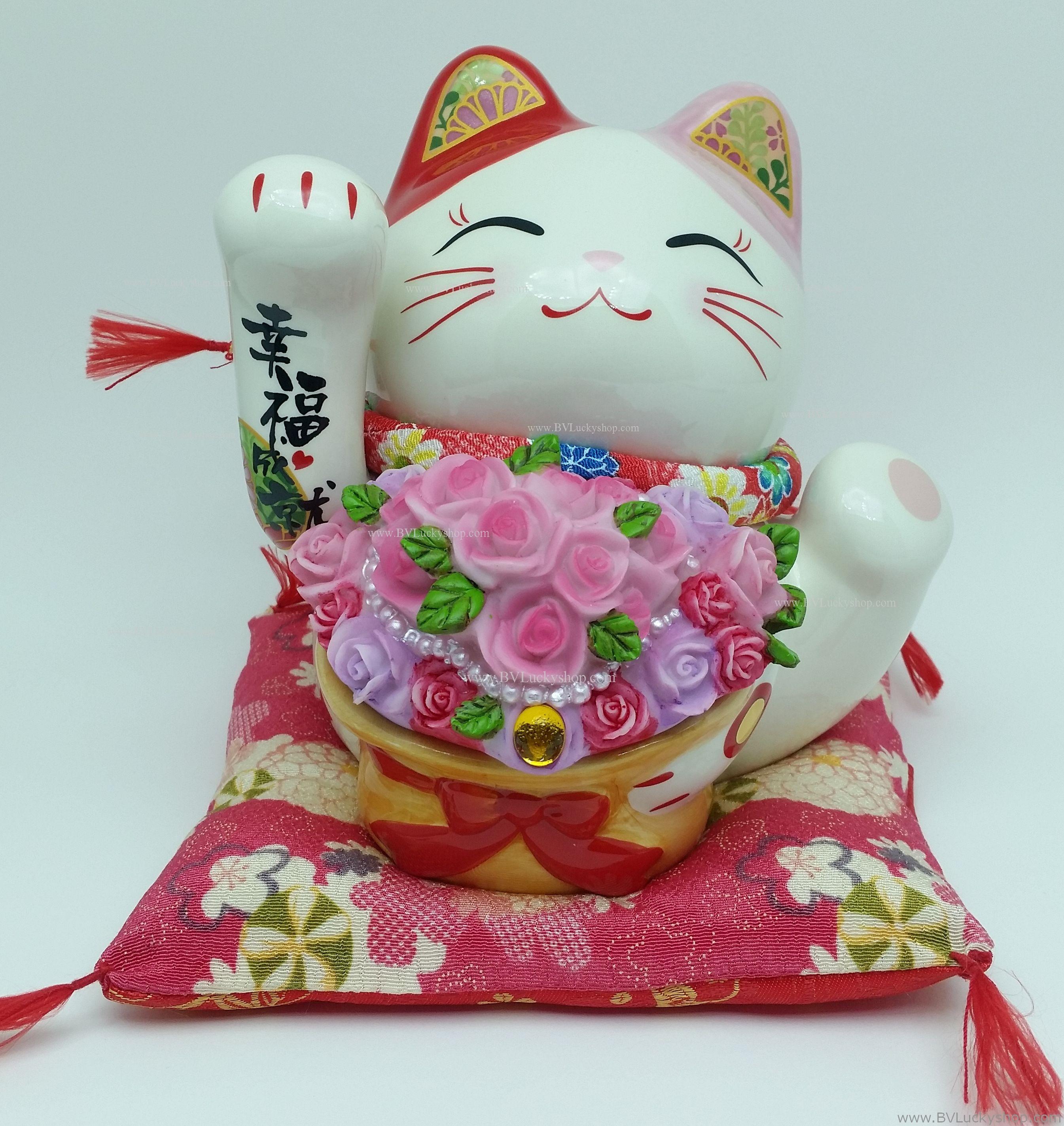 แมวกวัก แมวนำโชค สูง 7 นิ้ว อุ้มช่อดอกไม้ [SC2062]