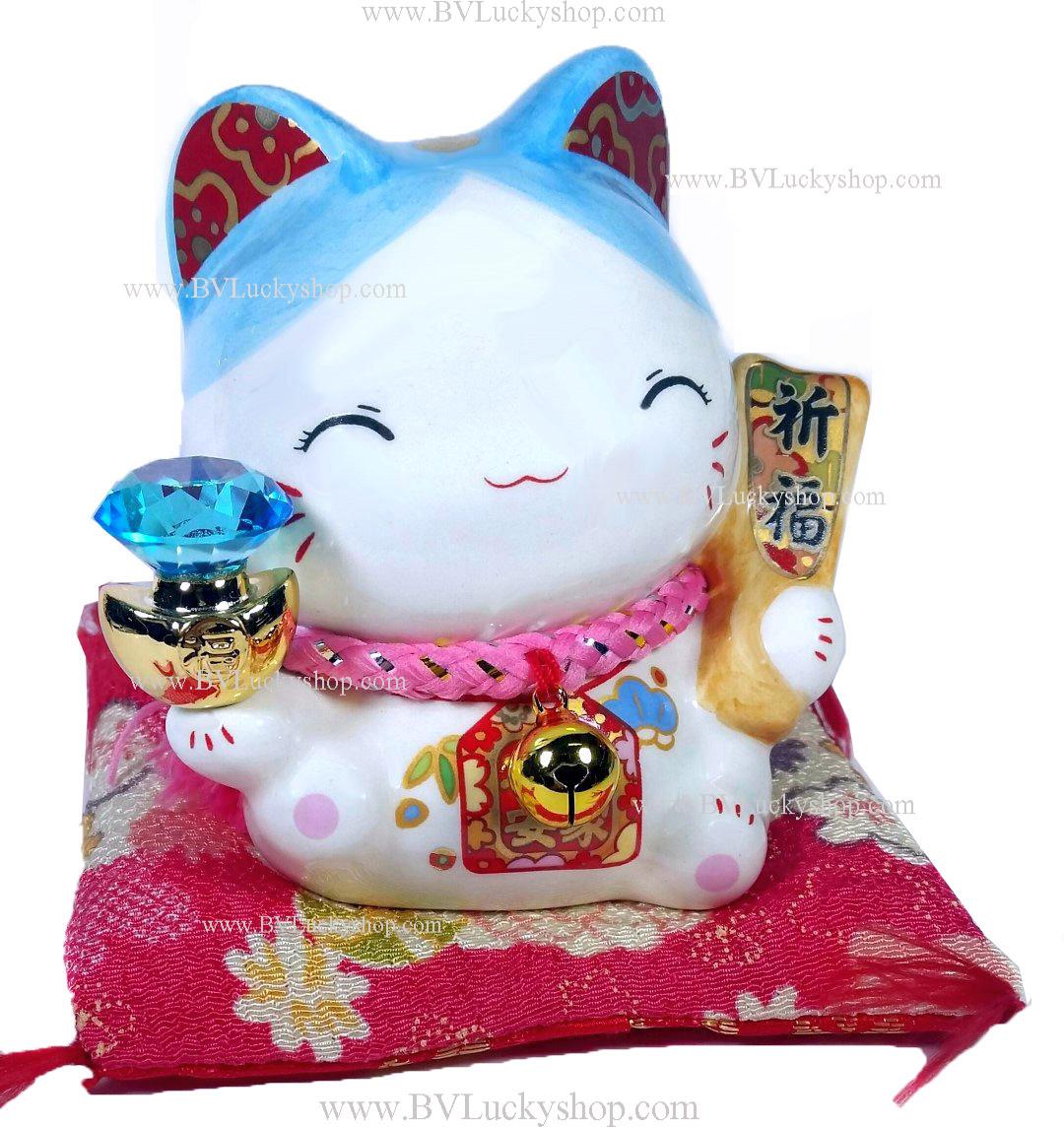 แมวนำโชค แมวกวัก สูง3.5นิ้ว ถือก้อนทองเพชรสีฟ้า และไม้ตีลูกขนไก่ [5010]