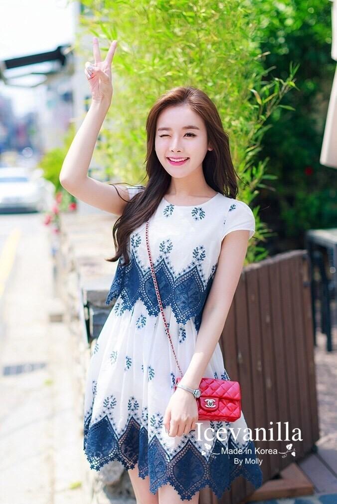 Daisy embroidery Dress