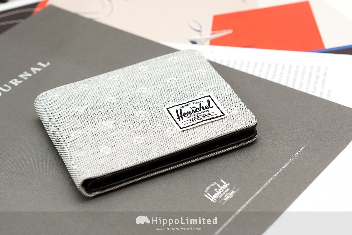 กระเป๋าสตางค์ Herschel Hank Wallet - Light Grey Crosshatch Embroidery ด้านหน้าแบบเต็มๆ