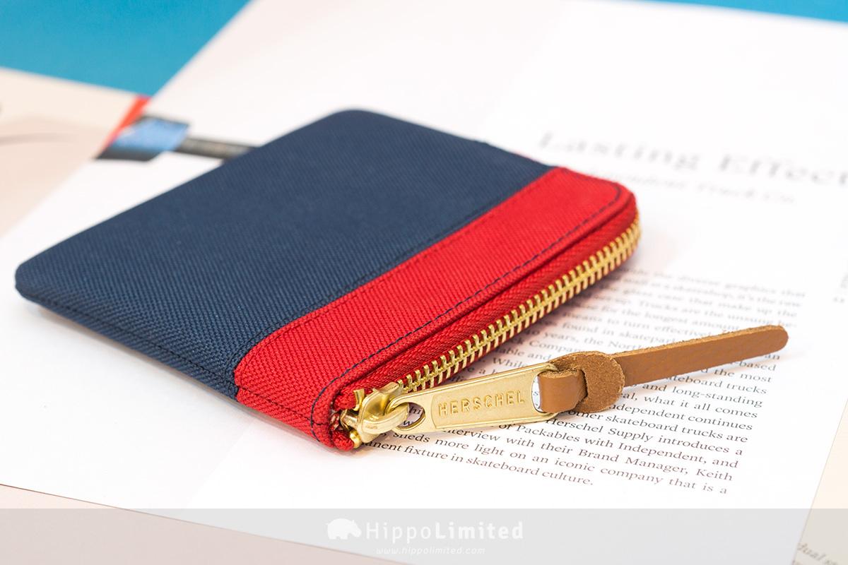 กระเป๋าสตางค์ใส่เหรียญ Herschel Johnny Wallet - Navy/Red ซิปสีทองเหลืองตัวดึงหนังแท้