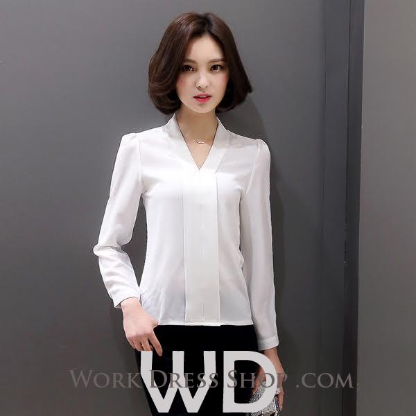 Preorder เสื้อทำงาน สีขาว เสื้อคอวี ไหล่ตั้งเป็นทรงสวย