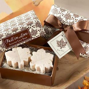 ชุด Gift Set สบู่ Model ใบเมเปิล กลิ่นลาเวนเดอร์ [Pre]
