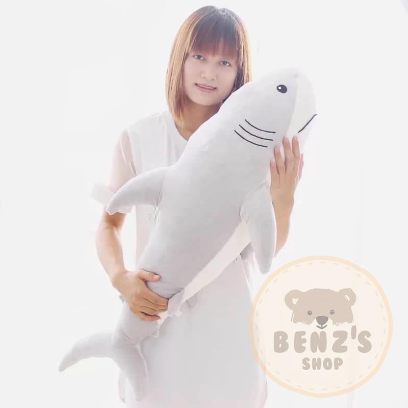 ตุ๊กตาปลาฉลาม รุ่นขนนุ่มพิเศษ เนื้อใยสังเคราะห์รุ่นใหม่ ขนาดวัดจากปลายจมูก-ปลายหาง90cm