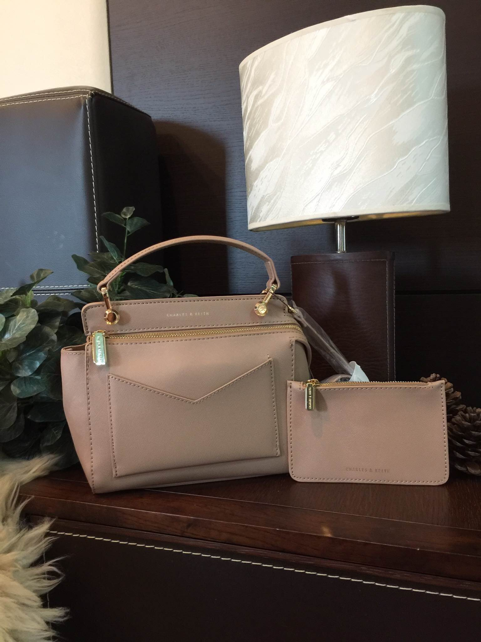 CHARLES & KEITH SMALL TOP HANDLE BAG *สีเทา