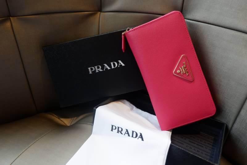 PRADA กระเป๋าสตางค์ใบยาว *ชมพู