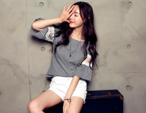 เสื้อแฟชั่นเกาหลี ลายตาราง ต่อแขนผ้าตาข่ายลูกไม้