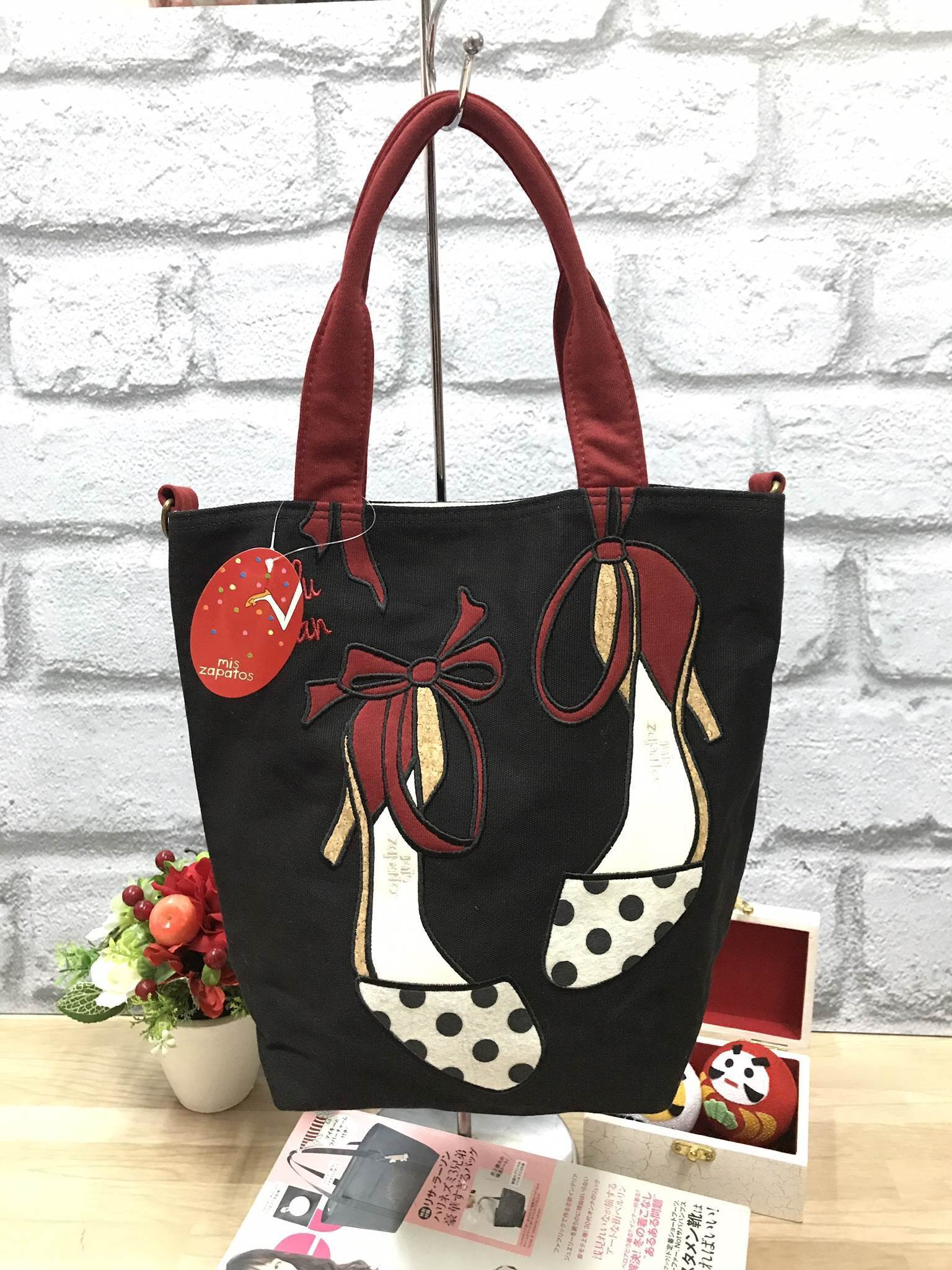 MIS ZAPATOS MINI TOTE BAG-ดำ