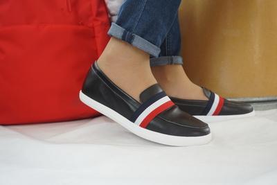 รองเท้าสไตล์เกาหลี Loafer มีแถบคาด Size 37