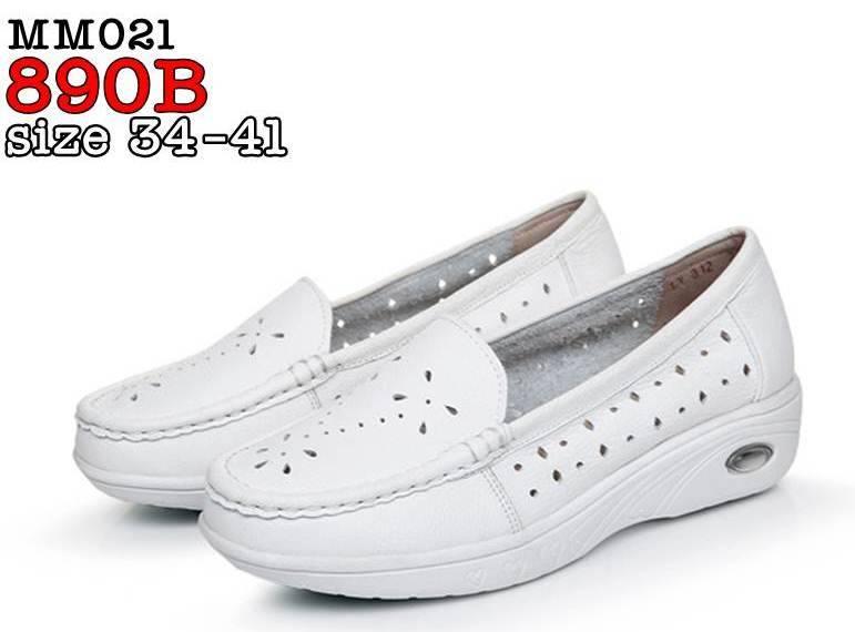 รองเท้าพยาบาล หนังสีขาว รหัสMM021(พรีออเดอร์)