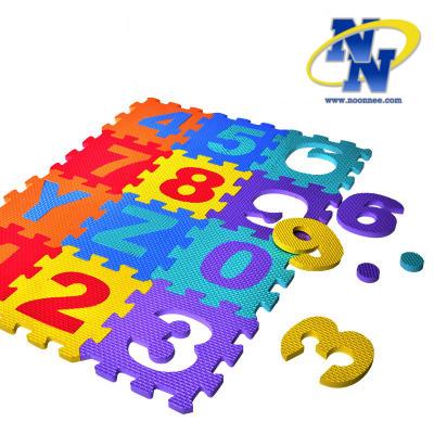แผ่นรองคลานลายตัวอักษร ABC และตัวเลข แบบตัวต่อ