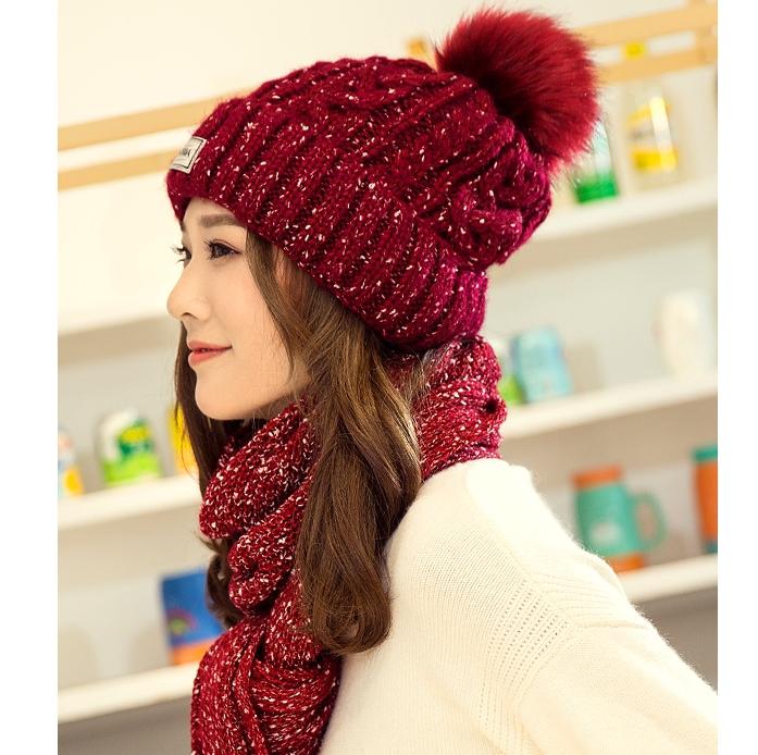 เซ็ตหมวกไหมพรหม + ผ้าพันคอ (ผู้หญิง/สีแดง)
