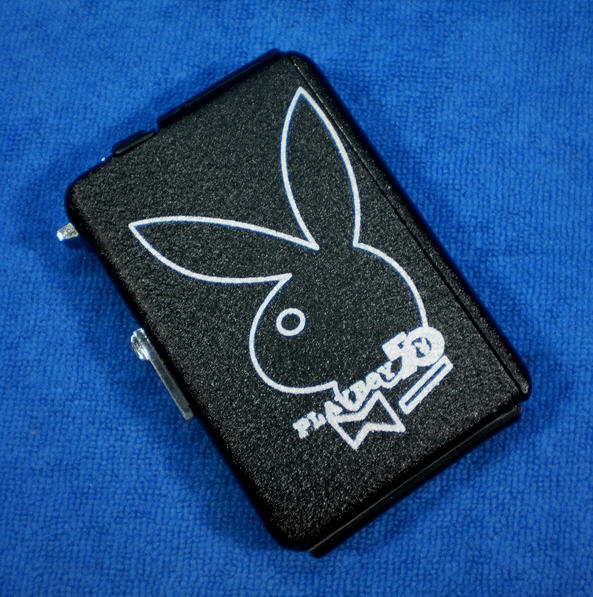 กล่องบุหรี่พร้อมไฟแช็ค แบบ ไฮเท็ค Playboy1