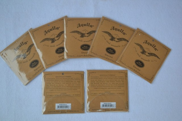 สายอูคูเลเล่ Ukulele Strings Aquila New Nylgut แพ็คซองกระดาษ