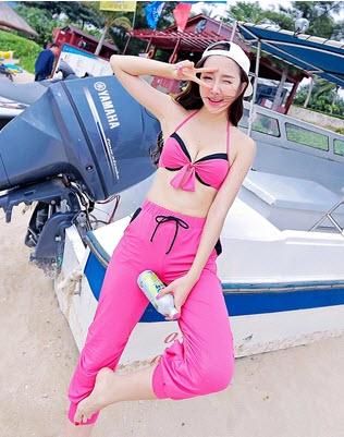 PRE ชุดว่ายน้ำเซ็ต 3 ชิ้น บรา กางเกงขาสั้น บวกกางเกงขายาวตัวนอก สีสันสดใสสุดชิค