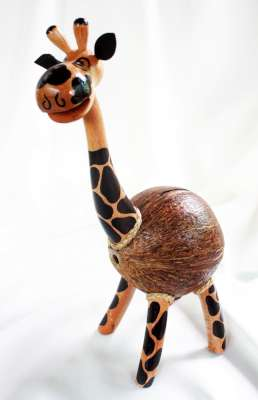 Coconut Shell Crafts Giraffe Savings (ออมสินกะลามะพร้าวยีราฟ)