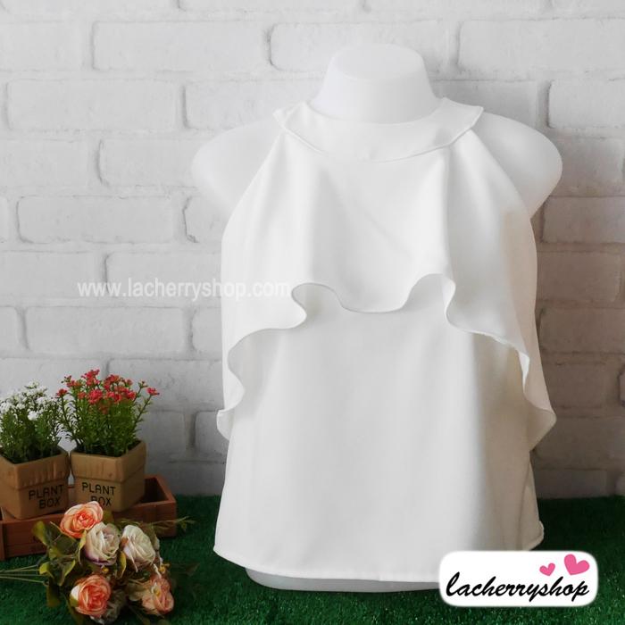 เสื้อผ้าแฟชั่น เสื้อทำงาน ผ้าฮานาโกะ สีขาว แขนกุด แต่งระบายอก สวยเปรี้ยวปนหวาน เว้าไหล่ แบบสวยมากๆค่ะ