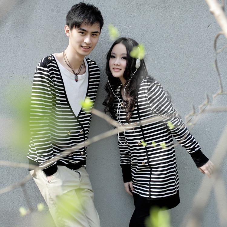 เสื้อแขนยาวคู่รัก ชาย เสื้อยืดแขนยาว ลายดำขาว หญิง เดรสแขนยาว ลายดำขาว +พร้อมส่ง+