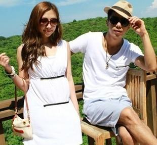 +พร้อมส่ง+ ชุดคู่รักพรีเวดดิ้ง Pre Wedding ชายเสื้อยืดสีขาว มีกระเป๋าเสื้อ หญิงเดรสแขนกุดสีขาว