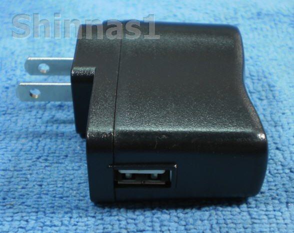 ปลั๊กต่อสายชาร์ท USB สำหรับเครื่องเล่น MP3-MP4
