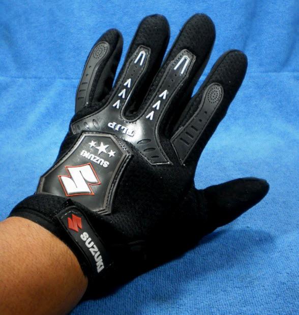 ถุงมือมอเตอร์ไซค์ผ้า แบบเต็มมือ SUZUKI สีดำ