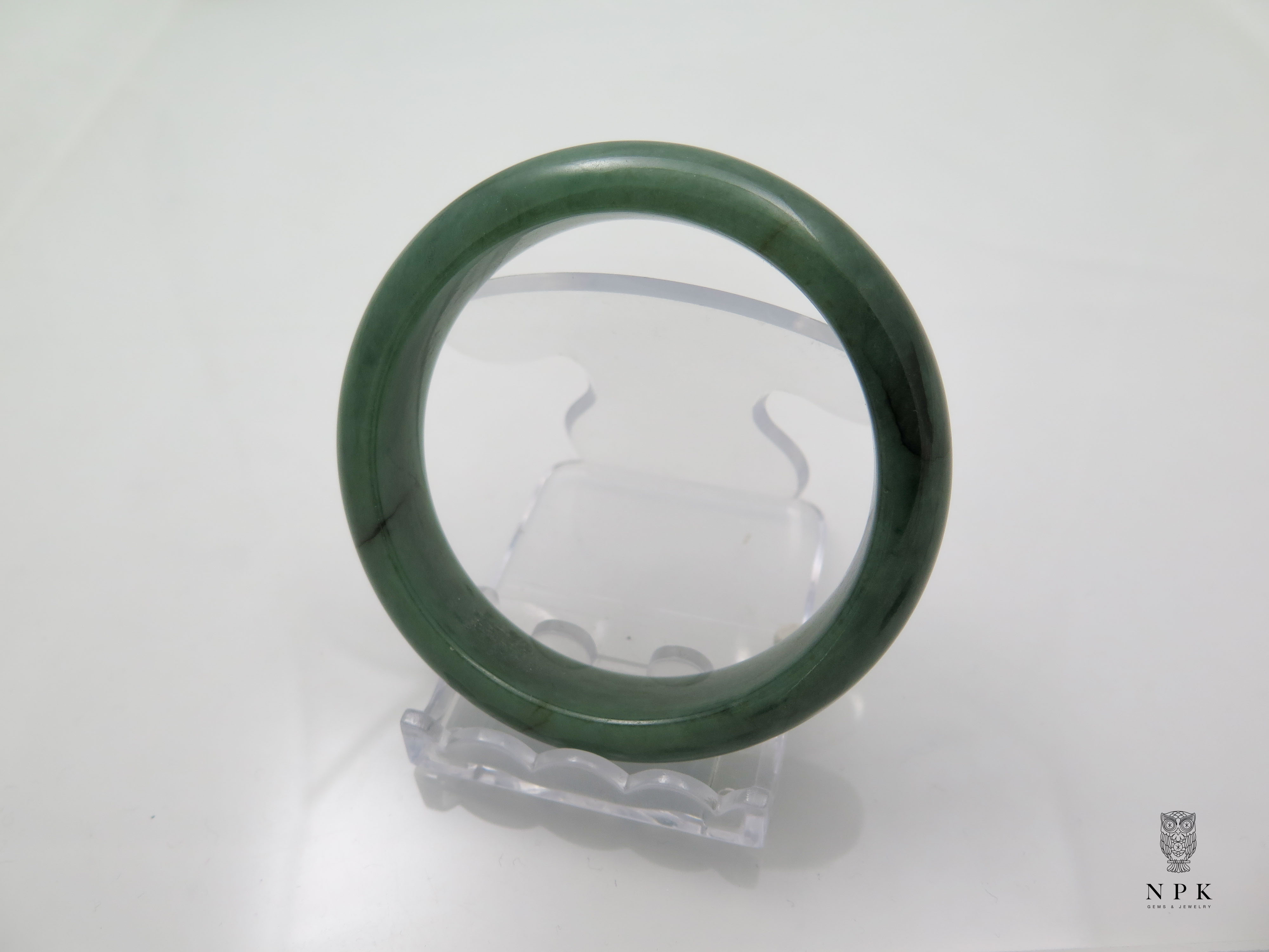 กำไลหยกเขียวใสเนื้อดี(Bangle jade)