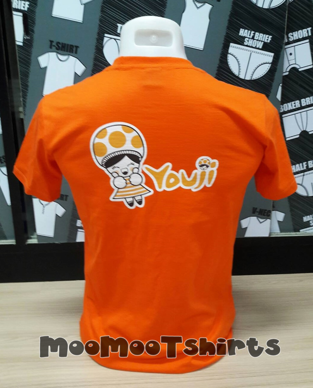 เสื้อส้มพิมพ์ลายด้านหลัง เรารับสกรีนเสื้อระบบ DTG