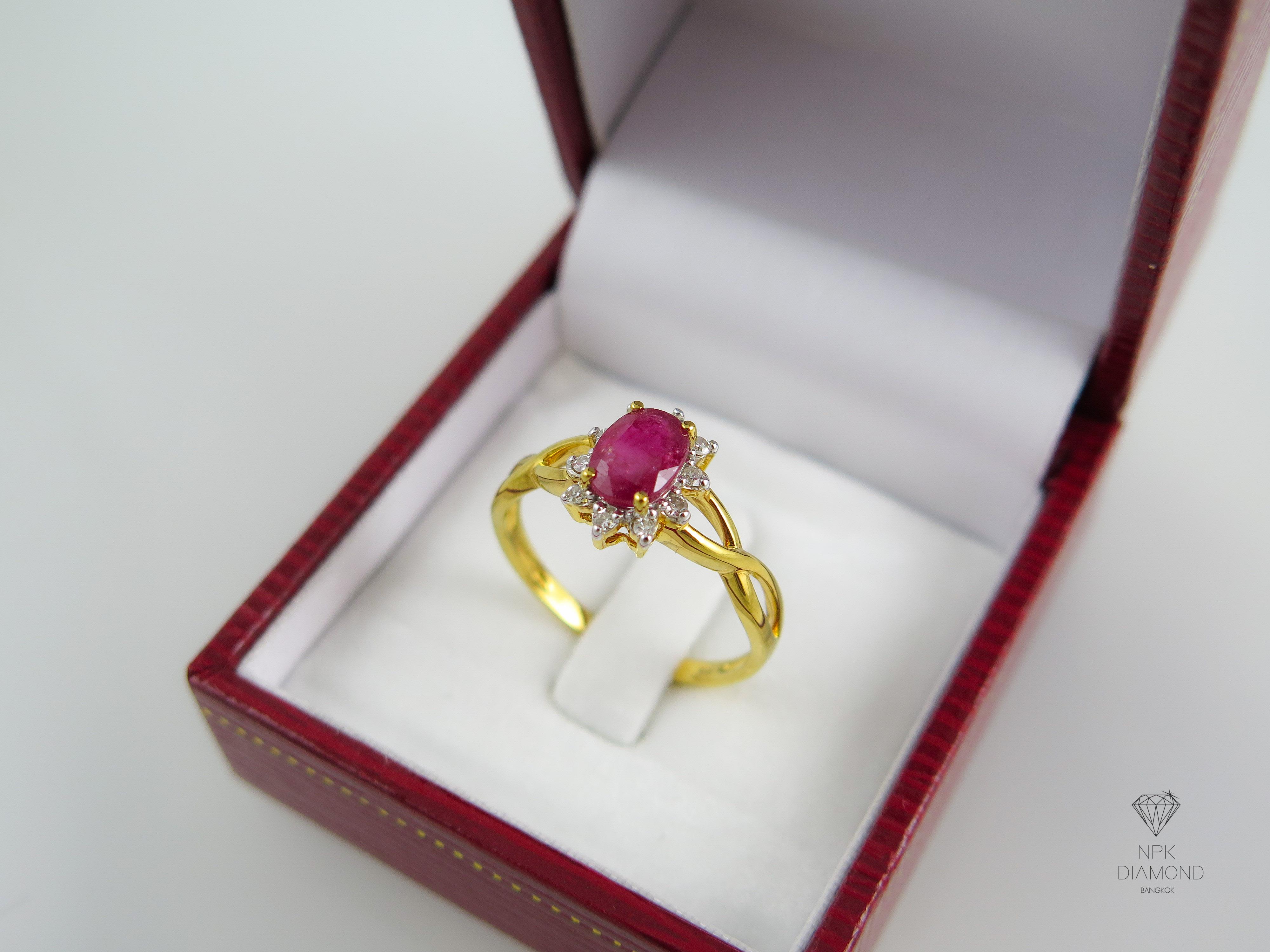 แหวนเพชรพลอยทับทิม