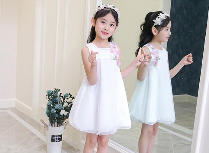 ชุดกระโปรง สีขาว แพ็ค 6 ชุด ไซส์ 110-120-130-140-150-160