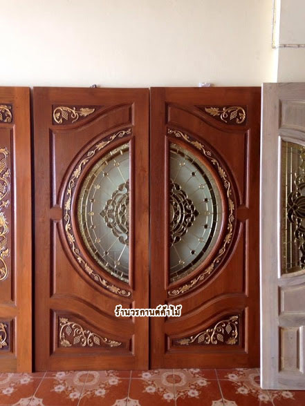 ประตูไม้สักกระจกนิรภัย แกะองุ่น เกรดA รหัส A38