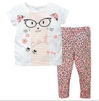 W053 : Set 2 ชิ้น เสื้อแขนสั้นสีขาวแต่งลายแมว + กางเกงขายาวสีชมพูพิมพ์ลาย
