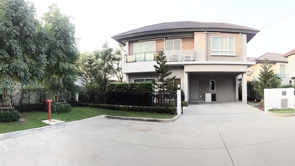 ขายบ้านเดี่ยวหลังมุม โครงการไลฟ์ บางกอกบูเลอวาร์ด รังสิต ติดถนนใหญ่ บ้านพร้อมอยู่ทันที บิ้วอินสุดหรูจัดเต็มครบทั้งหลัง