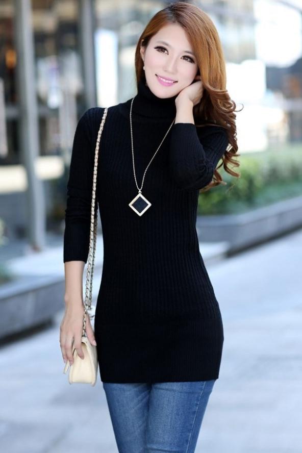 เสื้อกันหนาวไหมพรม พร้อมส่ง สีดำ คอเต่า แต่งลายทางน่ารักๆ ตัวยาว คลุมสะโพก หนาวนี้ไม่ควรพลาดนะคะ