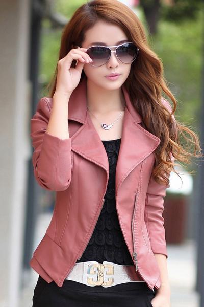 เสื้อแจ็คเก็ต เสื้อหนังแฟชั่น พร้อมส่ง สีชมพู คอปกเก๋ หนังนิ่ม ใส่สบาย แต่งซิบตรงหัวไหล่เก๋ค่ะ