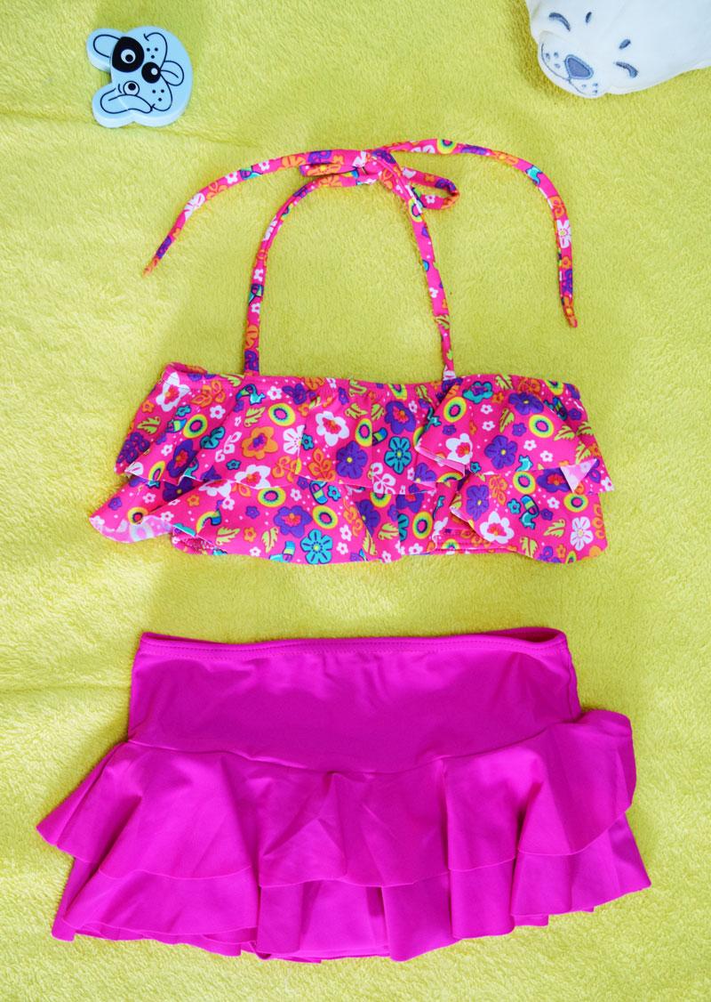 ชุดว่ายน้ำเด็ก สีชมพูลายดอกไม้ น่ารักสดใส แยกเป็น 2 ชิ้น